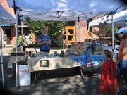 Lane County Farmers Market - Tuna & Crab